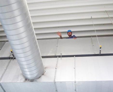 Umývanie a pravidelná údržba vo výškach - Výškové práce s.r.o