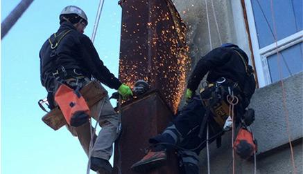 Demolačné-práce-vo-výškach---Výškové-práce-s.r.o.