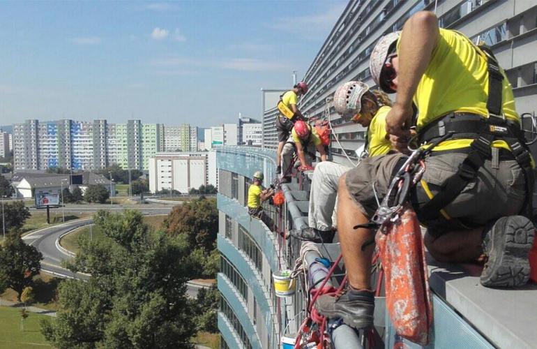 Obnova presklennej fasády