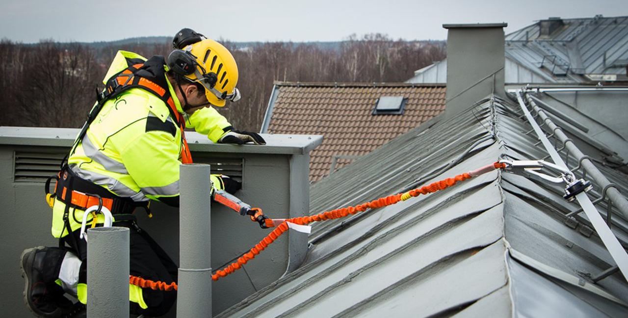 Kotviace systémy pre bezpečnú prácu vo výškach