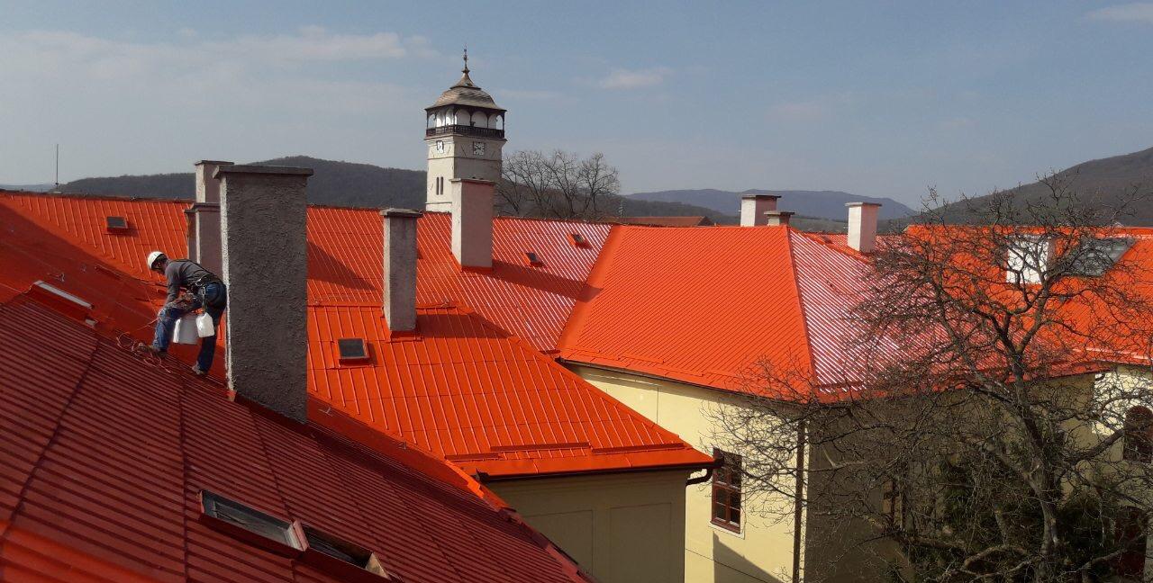 Natieranie strechy - práce vo výškach